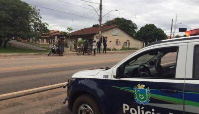 'Tenho amizades políticas e posso ferrar vocês': homem ameaça polícia e vai preso em Bonito