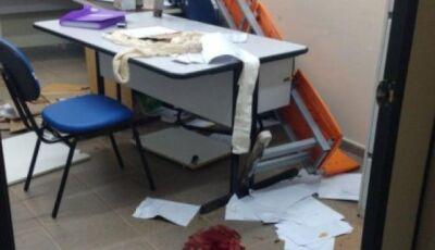 Enfermeiro leva três facadas dentro de posto de saúde em MS