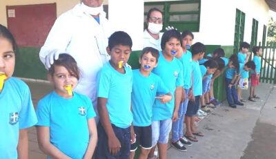 Prefeitura realiza aplicação de flúor em escola do Guaicurús em Bonito (MS)