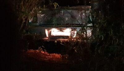 Em MS, Cantor sertanejo morre após carro bater em árvore em rodovia