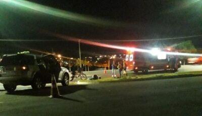 Motociclista morre após colidir contra veículo em avenida da Capital