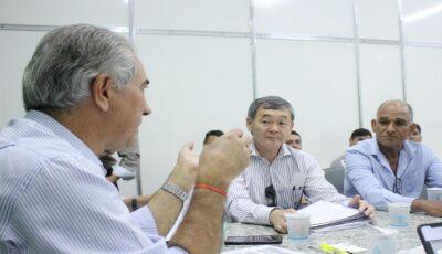 Governo Presente: prefeito de Bodoquena pede ajuda a Reinaldo para solucionar falta de drenagem