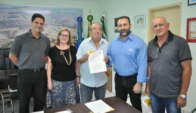 Prefeito assina parceria para vinda da Unidade Móvel SESC Saúde da Mulher em Bonito (MS)