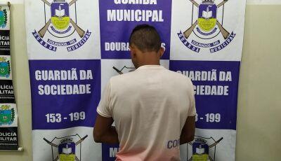 Rapaz é preso com mala 'recheada' de maconha em rodoviária de MS