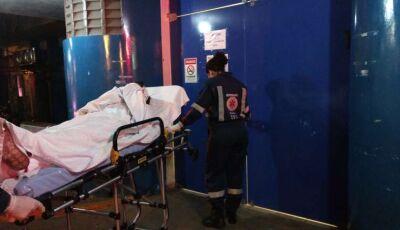 Ex-marido atira na cabeça de mulher e foge; vítima corre risco de ficar surda
