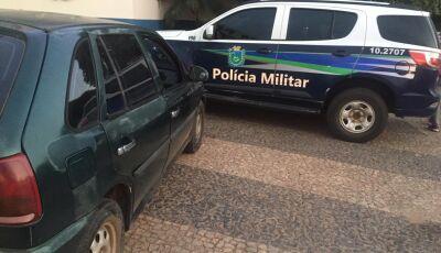 Homem 'causa' em balneário e trafega com carro em zigue-zague pelas ruas de Bonito
