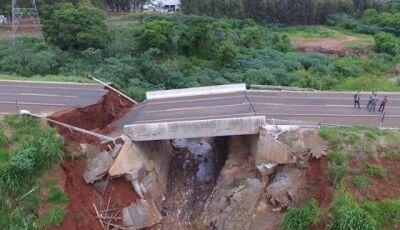 Ponte de R$ 1 milhão desaba um ano depois de ser construída, recursos do governo federal