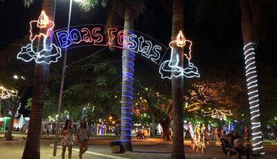 Com apresentações e diversas atrações, Prefeitura acender iluminação de Natal neste sábado em Bonito