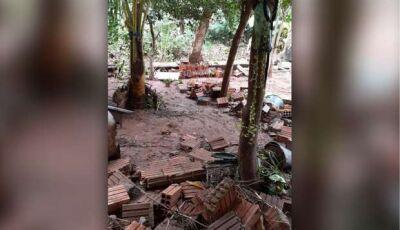 Moradora tem casa destruída após tempestade em Corumbá