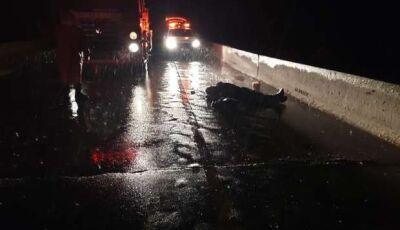 Dois jovens são atingidos por raio e um morre na ponte do rio Sucuriú