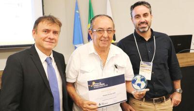 BONITO: Prefeito recebe título de Prefeito Inovador 2020, em fórum sobre cidades digitais