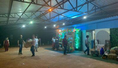 Mesmo com caso suspeito de coronavírus em Nioaque, chefe de Gabinete do prefeito faz festa