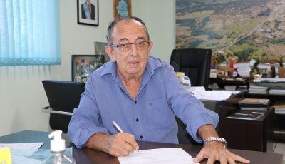 Prefeito assina Ordem de Serviço de Revitalização da Feira do Produtor Rural em Bonito (MS)