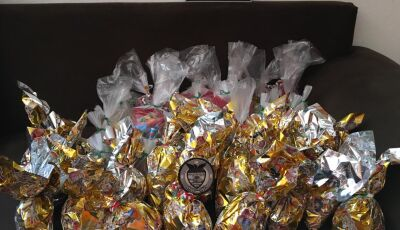 Guarda Municipal realizou entrega de 62 kits contendo diversos doces para as crianças em Bonito (MS)