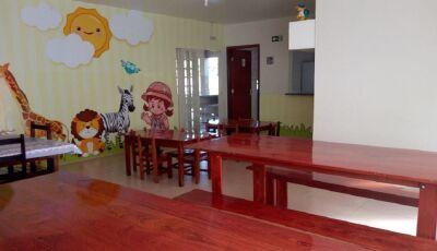 JARDIM: Móveis fabricados em presídio beneficiam crianças e jovens da Casa da Garota em Guia Lopes