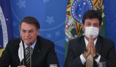 Bolsonaro proíbe Mandetta de trabalhar por seis meses: 'estou abismado'