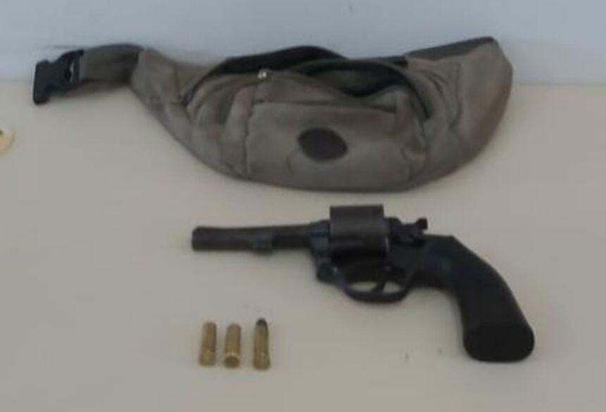 O suspeito foi preso no fim da manhã deste sábado (21) em Três Lagoas.  Foto: Polícia Militar