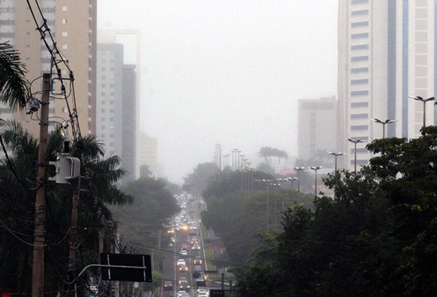 Neblina registrada na quinta-feira em Campo Grande e diversos municípios do Estado