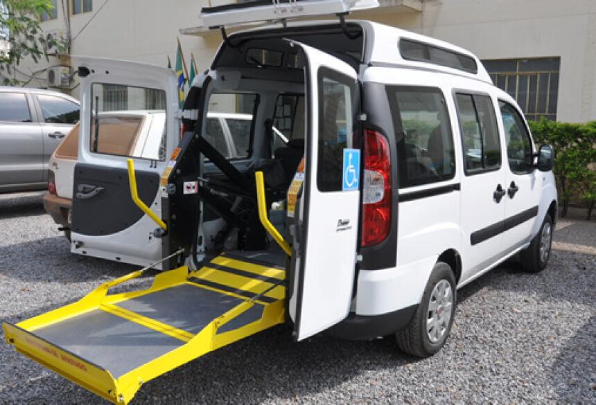 Ambulância adaptada chegou na manhã desta quarta-feira na prefeitura (Foto: Rogério Sanches - Bonito Informa)