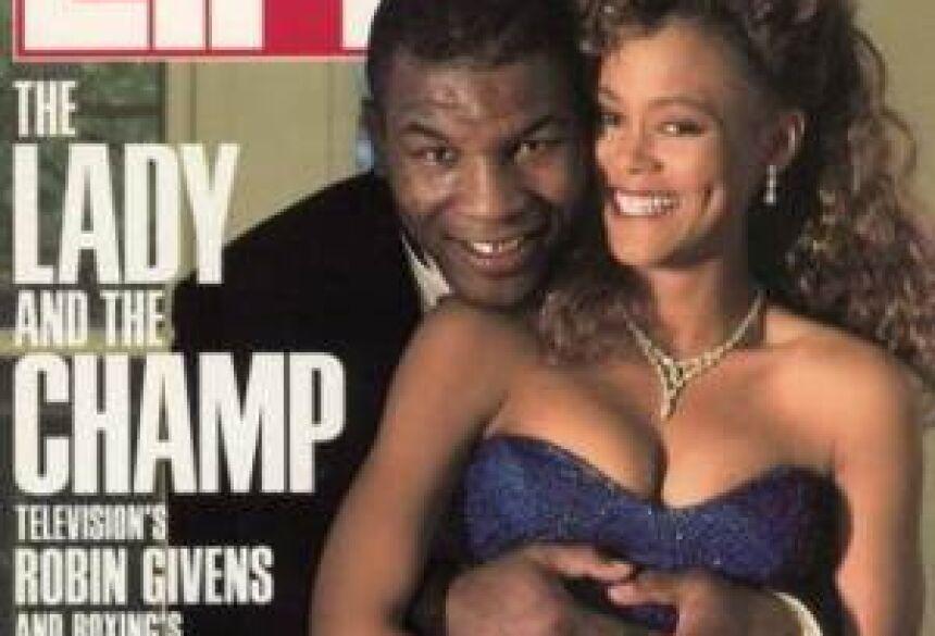 Mike Tyson e a atriz Robin Givens quando eram casados (Foto: Reprodução / Revista Life)