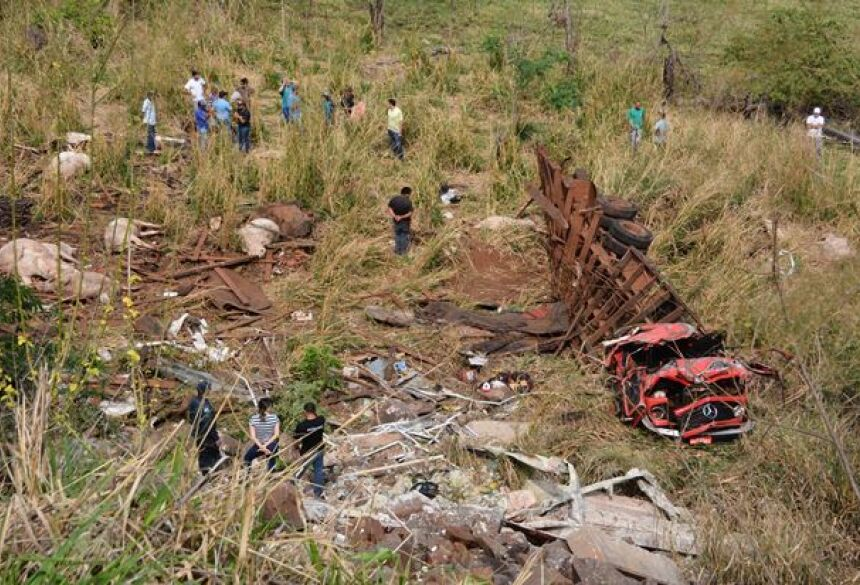 Edson morreu no local do acidente e Weslen ficou ferido - Foto: Paulo Ribas/Correio do Estado