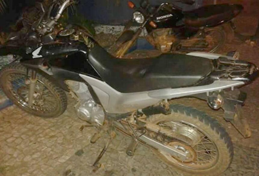 FOTO: ASSESSORIA PM - Polícia Militar apreende menor e recupera moto furtada em BONITO
