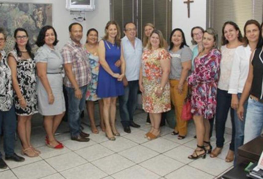 Fotos: Glaucio Cezar Jabuty - Prefeito empossa novos diretores dos CEI e Escolas Municipais e pede empenho de todos