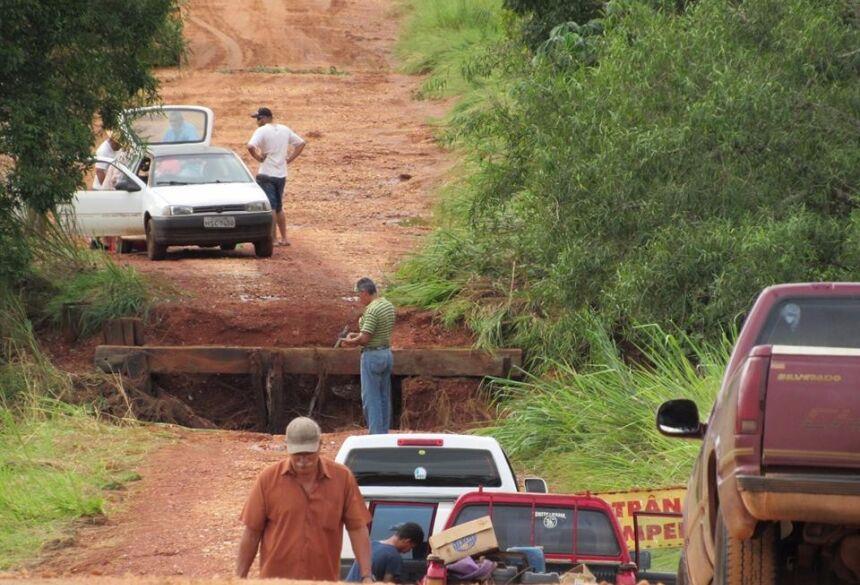 Moradores pedem a construção de uma nova ponte - Foto: Ricardo Fernandes/ ZDK News