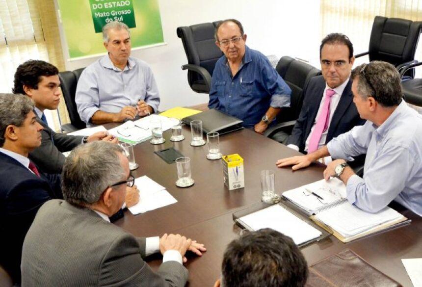 Prefeito se reúne com o governador e deputados estaduais e faz reivindicações para cidade de BONITO