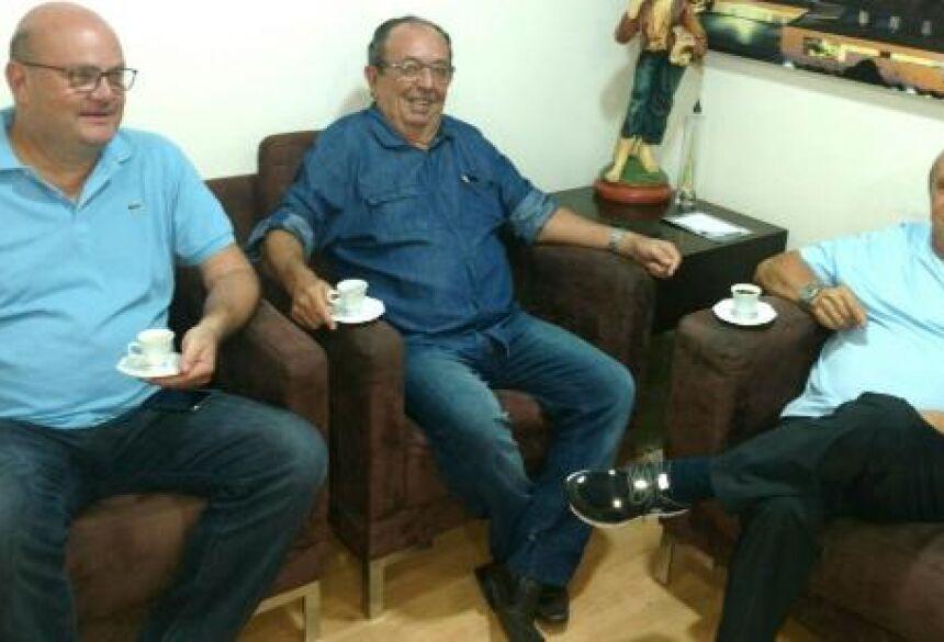 FOTO: ASSESSORIA - Em reunião com empresário da Capital, prefeito Odilson Soares destaca investimentos em BONITO