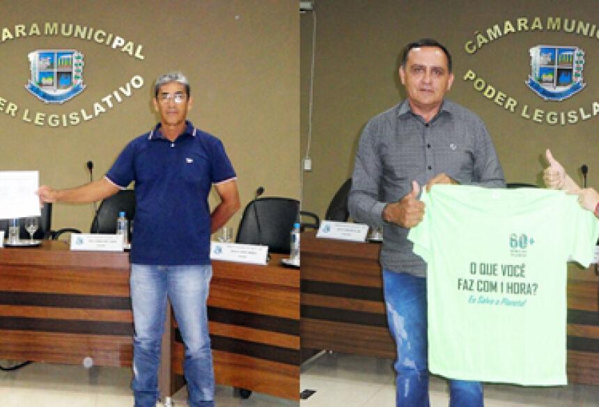 FOTOS: ASSESSORIA - Vereador entrega Moção de Parabenização a servidores municipais de BONITO