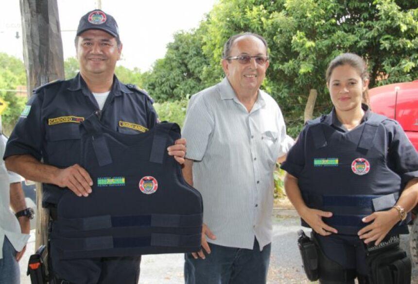 FOTO: JABUTY - Prefeitura entrega novos coletes balísticos para a Guarda Municipal em BONITO
