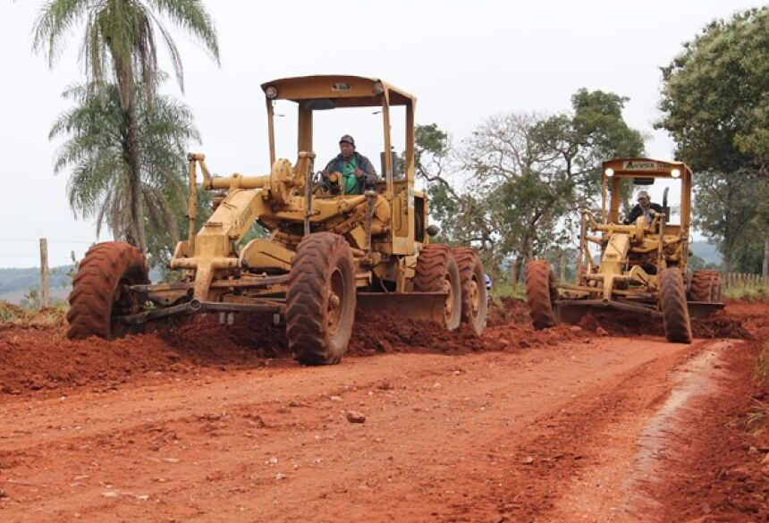 FOTOS: JABUTY - Agesul e Obras fazem o cascalhamento da 'Rodovia do Turismo' estrada leva a vários atrativos