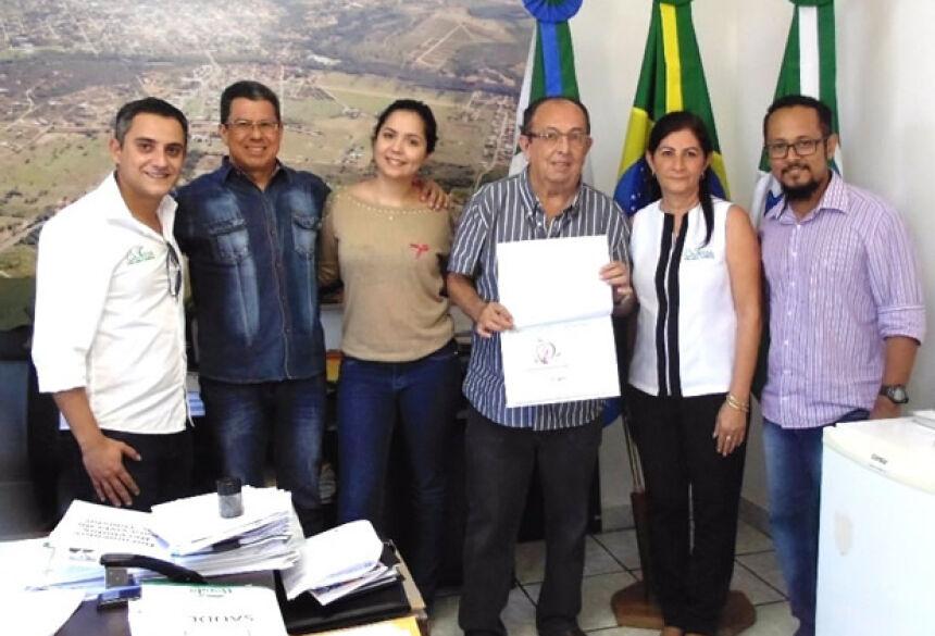 Campanha 'Contra o câncer: Bonito é se cuidar' mobiliza Bonito no Outubro Rosa
