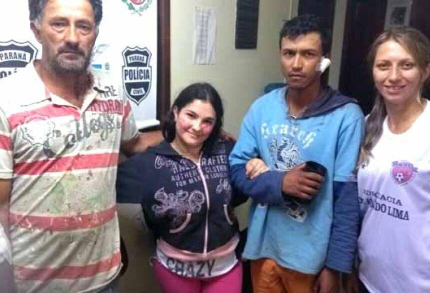 Família abraçada após a confusão. (Foto: Colaboração)