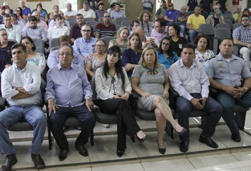 Fotos: Chico Ribeiro - Governo inicia recuperação de ruas, em janeiro começar o recapeamento que liga ao aeroporto
