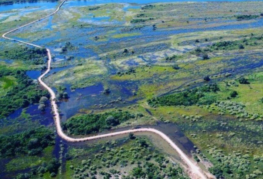 Com a recuperação da estrada, 29 km da MS-243, obstáculos como trechos de inundação e brejo foram superados.