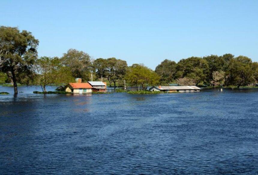 Com várias comunidades ribeirinhas afetadas, Corumbá decretou situação de emergência (Foto: Renê Marcio Carneiro/PMC)