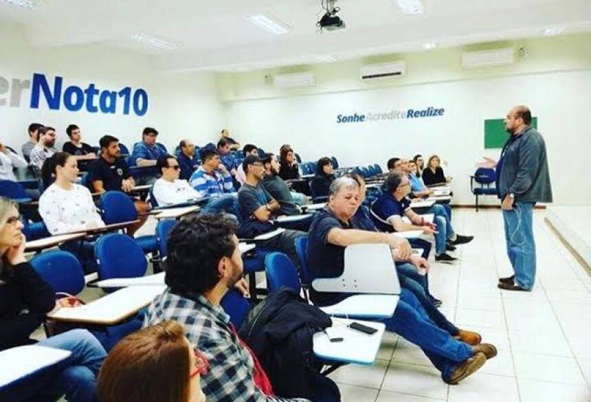 Colégio Nota 10 realiza prova de bolsas de estudo para o curso pré-vestibular 2019