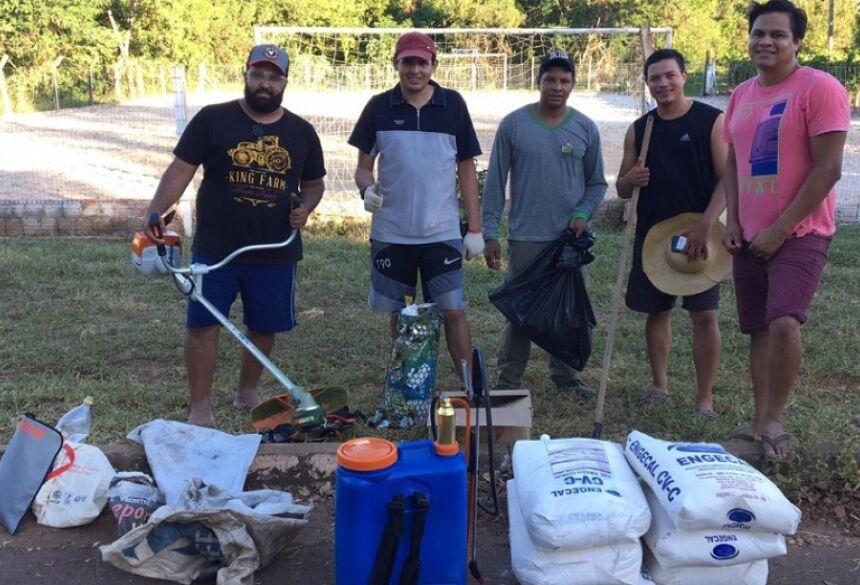 Vereador, prefeitura e população fazem ação de limpeza com moradores em Bonito (MS)