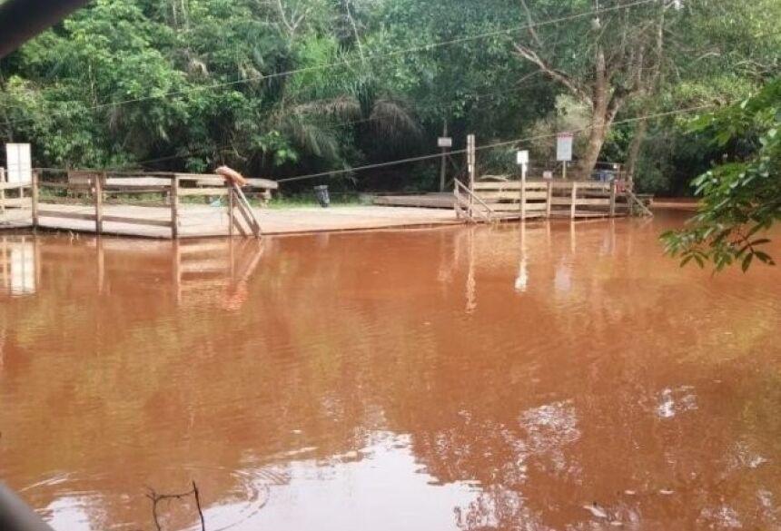 De águas cristalinas, Rio da Prata foi tomado por lama em novembro de 2018.