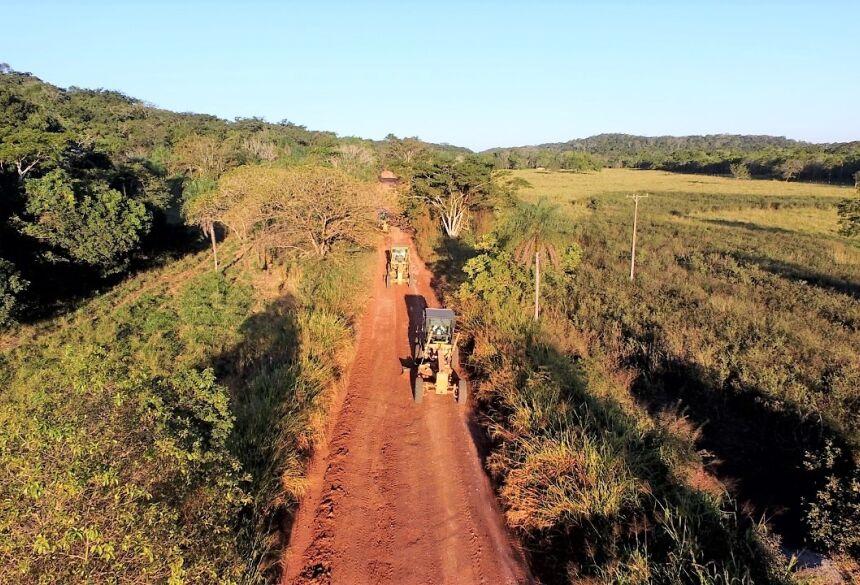 Estrada dá acesso a propriedades rurais e atrativo turístico. Foto: Jabuty