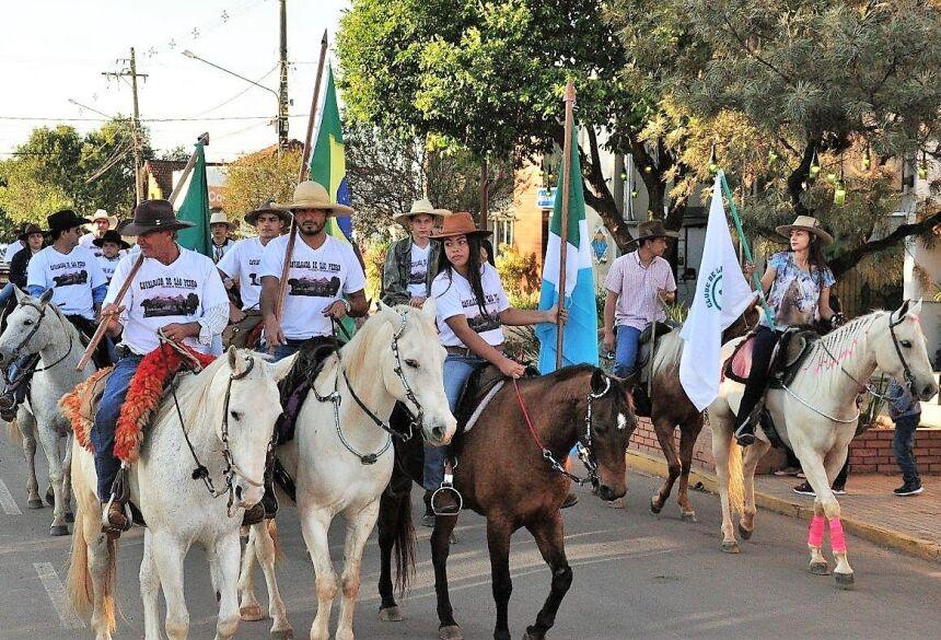 Cortejo saiu às 7 horas do Clube do Laço, percorrendo as ruas centrais da cidade. Foto: PMB