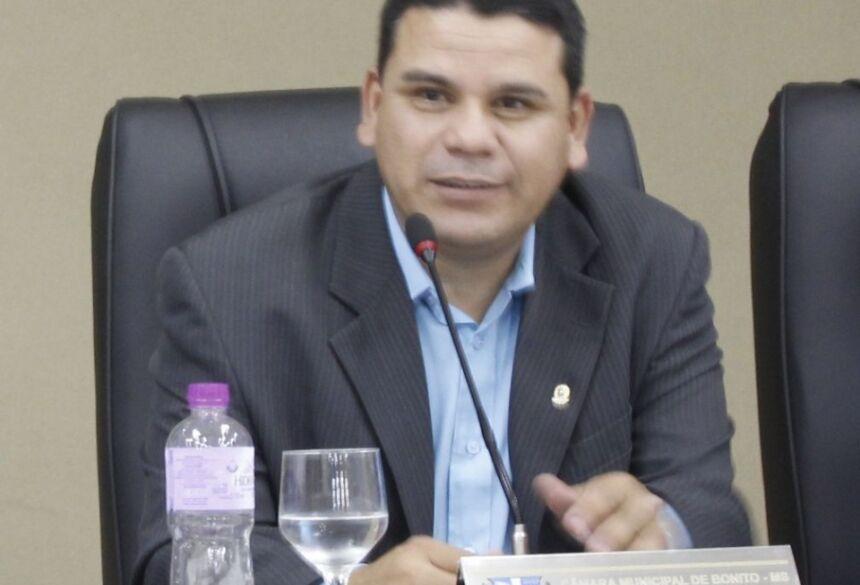 FOTO: ELI CARDOSO / ASSESSORIA - Pedrinho da Marambaia cobra melhoria no sinal de internet móvel em Bonito (MS)