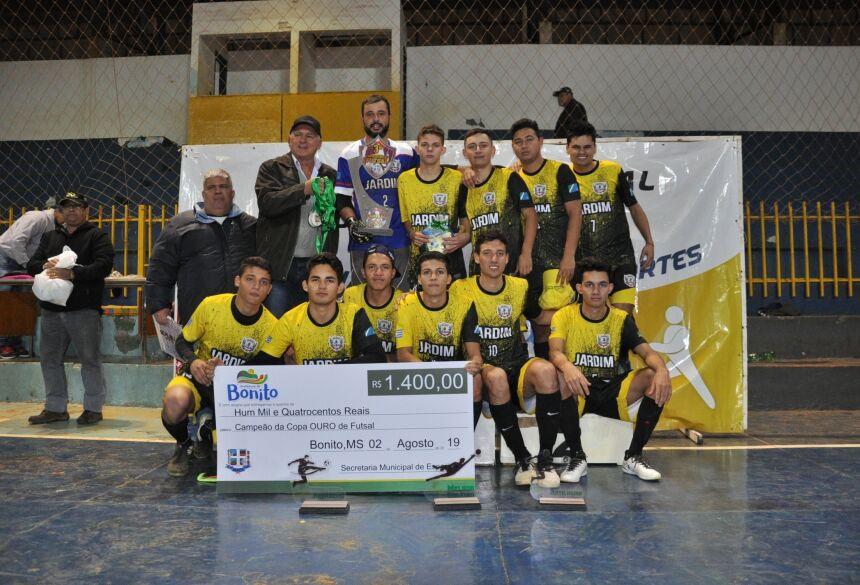 FOTOS: JABUTY - Equipe de Jardim, Campeões.