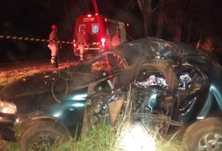 Acidente aconteceu na noite deste sábado. Foto: Divulgação