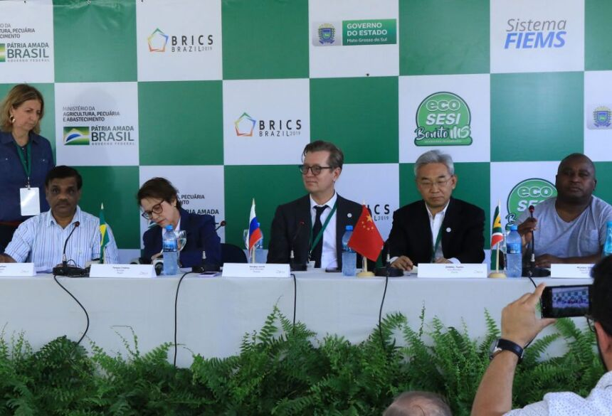 Participantes da reunião do BRICs assinaram documento defendendo o aumento da produção de alimentos com foco na sustentabilidade