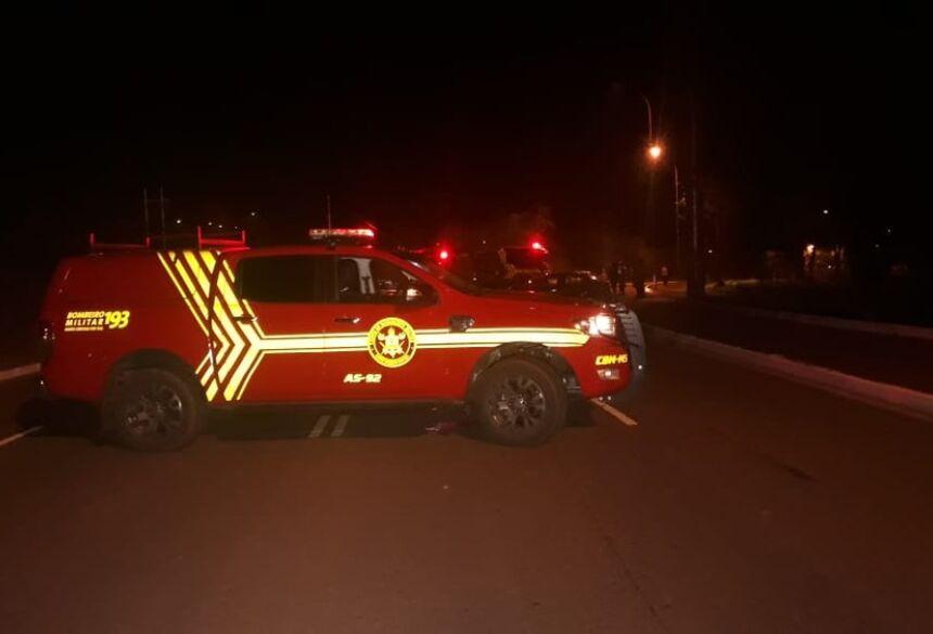Bombeiros no local do acidente  Foto: José Aparecido/TV Morena