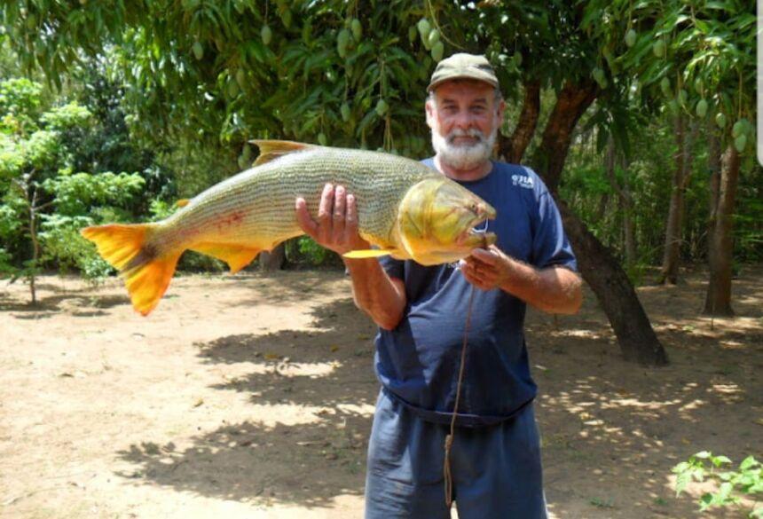 O 'pescador com coração de ouro' precisa da sua ajuda.