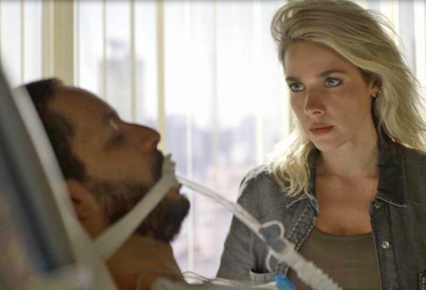 Téo revela a Yohana que Jô tentou matá-lo (Imagem: Divulgação/ Globo)